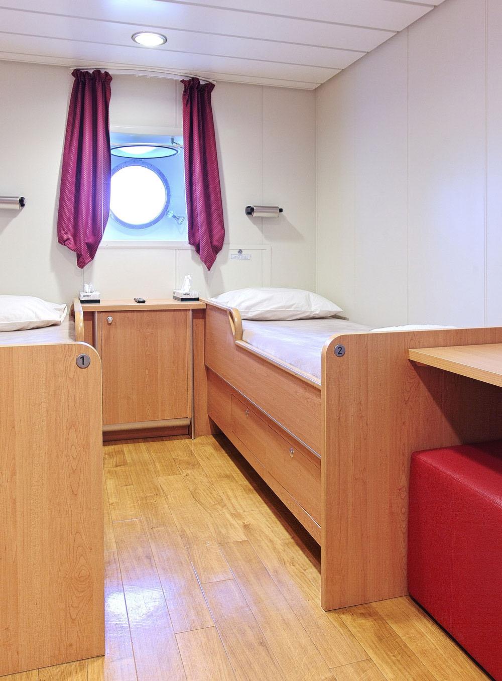 standard twin-bedded cabin